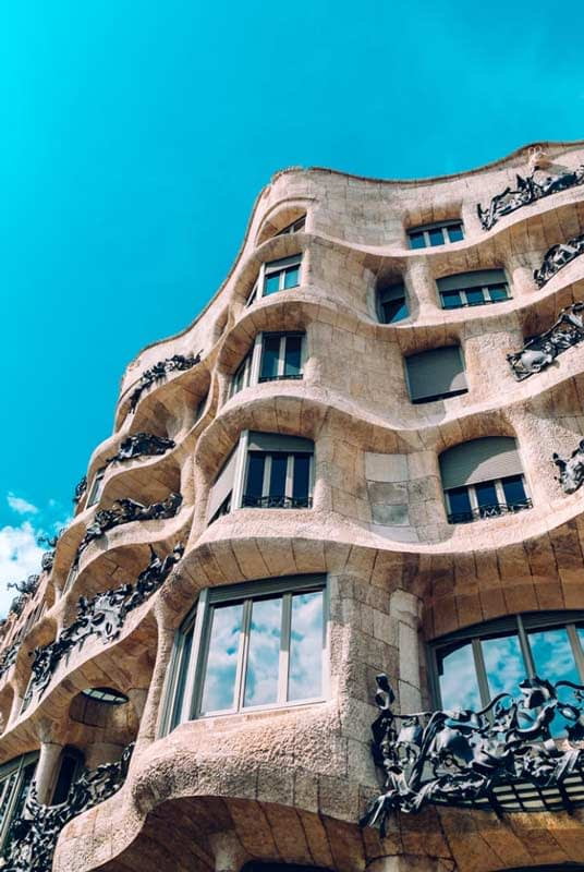 Rent luxury car in Barcellona- rentloox.com